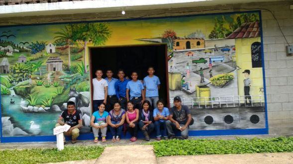 Jóvenes terminan Mural Centro de Apoyo Ricardo Pérez Mira